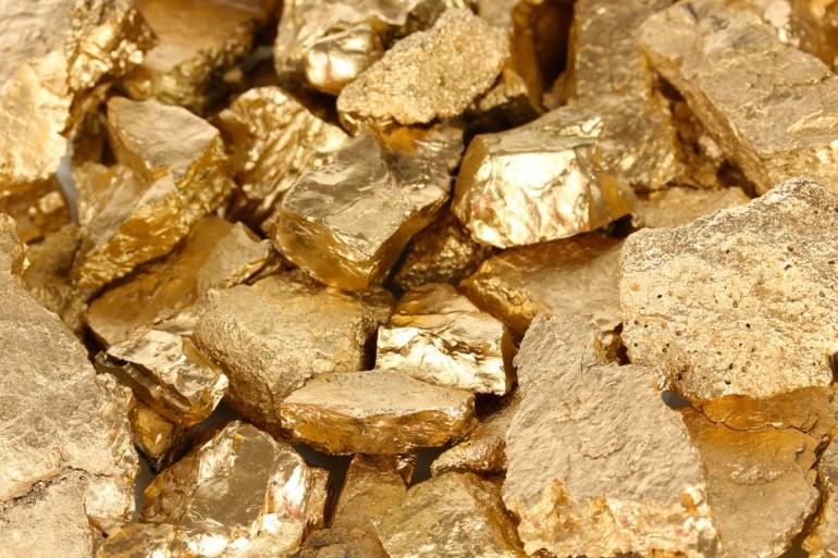 separar ouro de outros componentes
